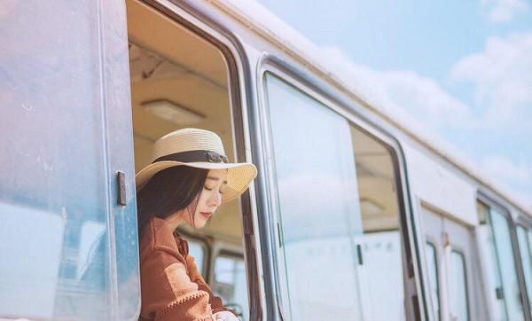 Tôi chọn cuộc sống lẻ bóng, những mối quan hệ chớp nhoáng chẳng ràng buộc. (Ảnh minh họa)