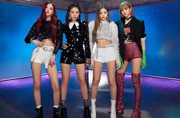 Dù sao thì cũng chúc mừng các cô nàng với thành tích 800 triệu view của MV Ddu-du ddu-du nhé!