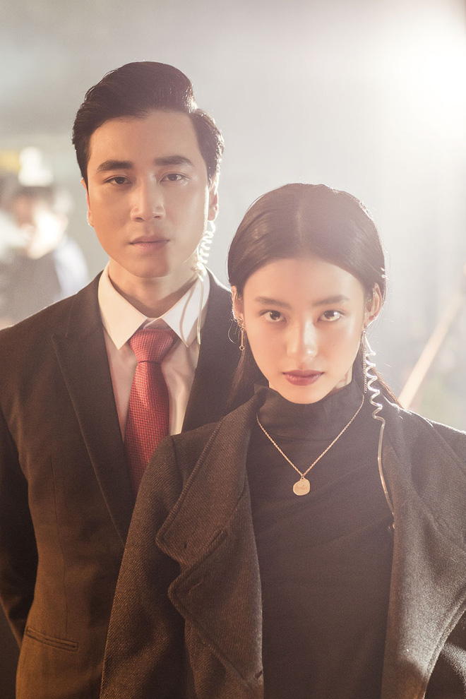 Hotgirl Dương Minh Ngọc đảm nhận vai nữ chính trong MV 'Đau vậy đủ rồi'.