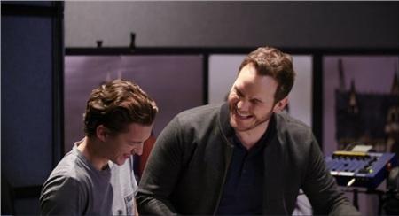 'Nhện nhọ' Tom Holland cùng 'Star Lord' Chris Pratt khiến fan 'nổ tung' khi tuyên bố: Chúng tôi yêu nhau! 2