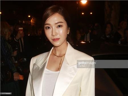 Khuyết điểm duy nhất của Jessica trong bức ảnh này chính là gương mặt hơi bóng dầu.