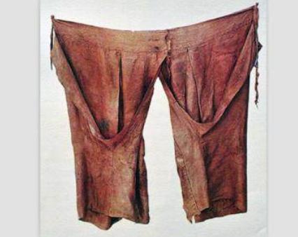 Vì nguyên do gì mà nữ nhân cổ đại không được phép mặc quần nội y, đến thời nhà Hán lại thịnh hành 'mốt' quần không đáy? 2