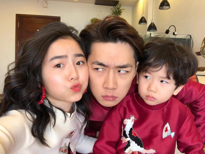 Hot family Ba Duy - Nam Thương và em bé Đậu.