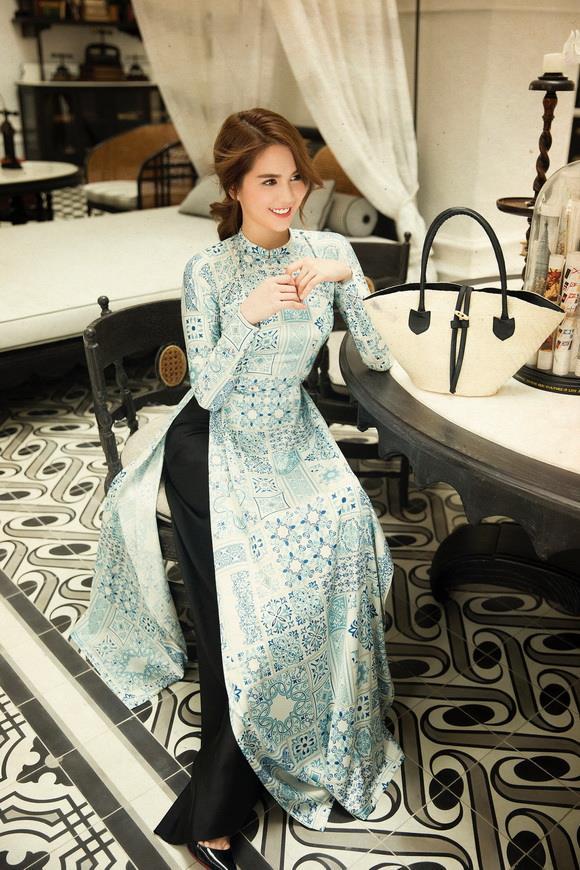 'Nữ hoàng nội y' và những lần gây thương nhớ trong tà áo dài thướt tha: Có một Ngọc Trinh kín đáo, thanh tao đẹp đến ngây người 14