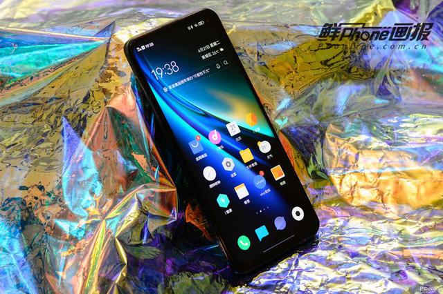 Top smartphone cấu hình khủng không ngán 'con game' nào, chấp tất cả bom tấn nặng nhất 3