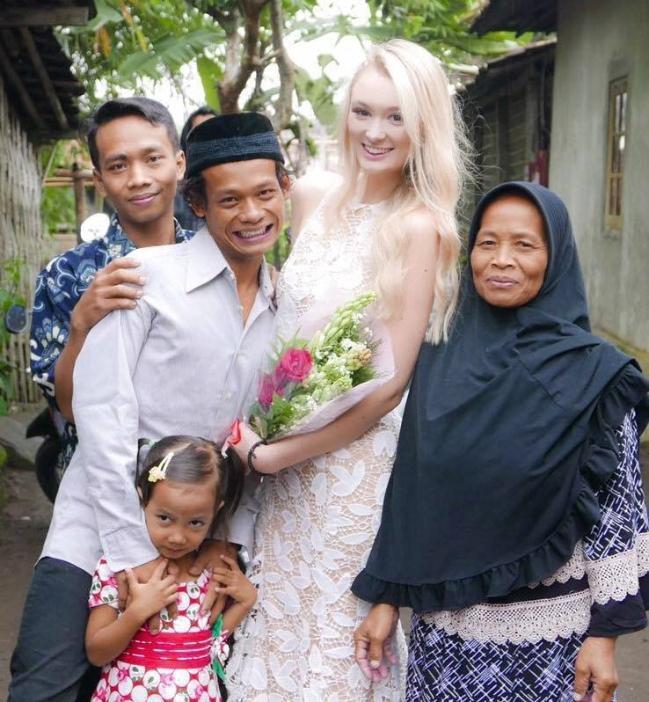 Hôn lễ của cặp đôi đũa lệch từng thu hút sự chú ý của cộng đồng mạng.