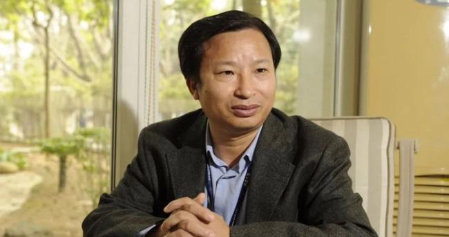 Đỗ Vĩ Dân - chủ tịch Tập đoàn Sản phẩm Sinh học Khang Thái Thâm Quyến (chuyên vaccine) đã chuyển giao 161,3 triệu cổ phiếu cho vợ cũ -bà Viên Lê Bình như một phần của thỏa thuận ly hôn