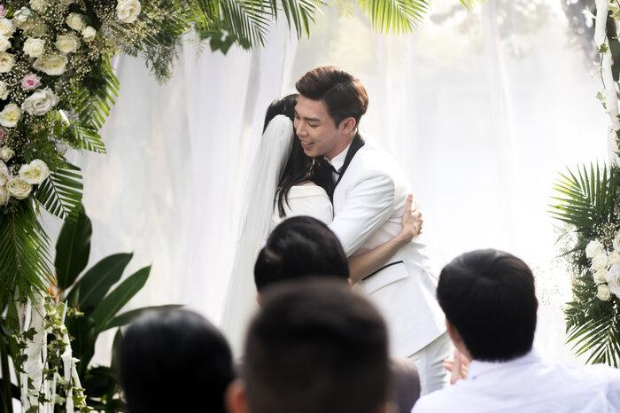 'Đám cưới' của ERIK đạt tới thành tích cao nhất nào? 2
