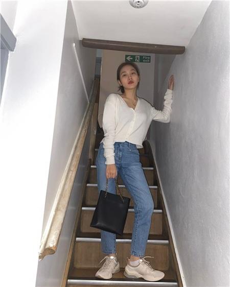 Thuộc 'team chân ngắn' của Kpop nhưng Yeri (Red Velvet) vẫn mặc quần jeans siêu nuột, ra là có bí kíp cả 0