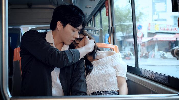 Lâm Vỹ Dạ, JSol vui mừng đón MV debut của hot boy Hà Nội có nụ cười toả nắng 3