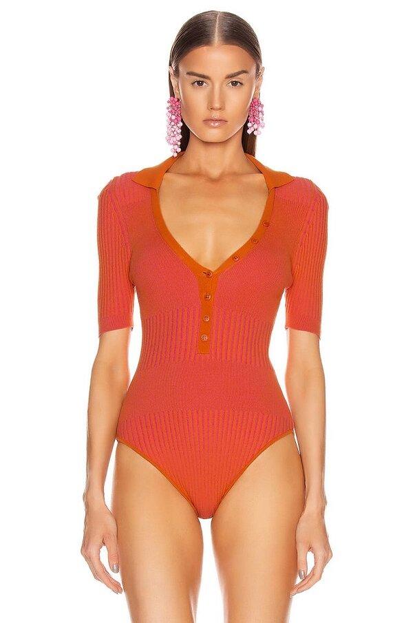 Tóc Tiên ăn điểm bởi cách mix đồ tài tình khi diện dáng bodysuit giống Bella Hadid 5
