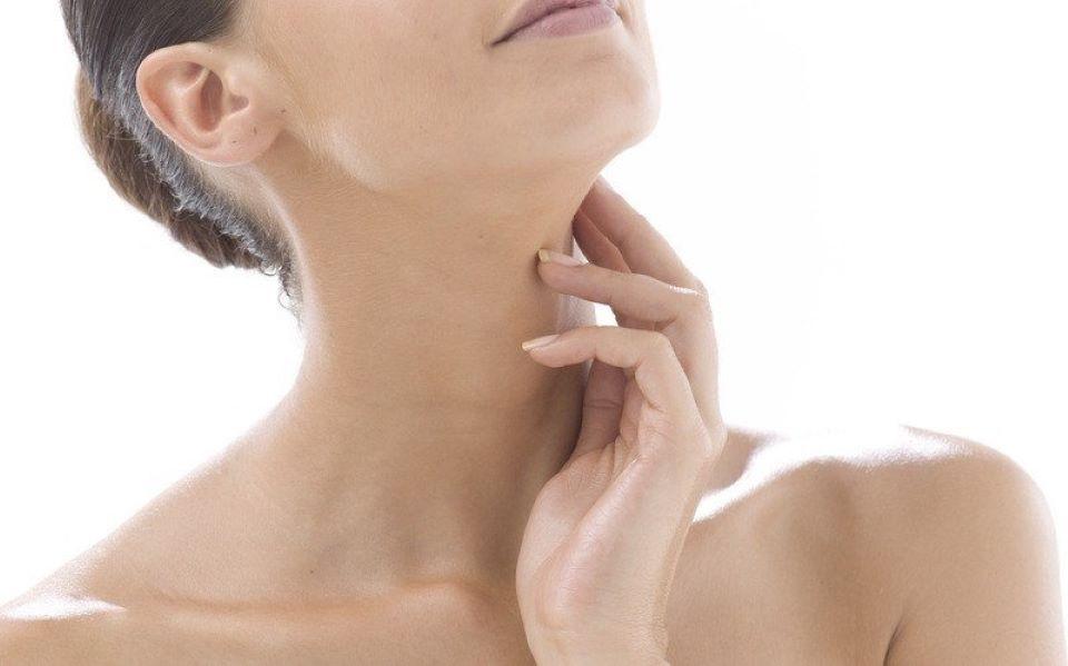 Cách chăm sóc da cổ đơn giản tại nhà đẩy lùi lão hóa 3