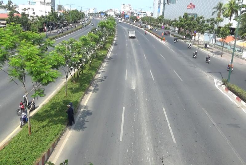 Sài Gòn vắng chưa từng thấy trong mùa dịch COVID-19