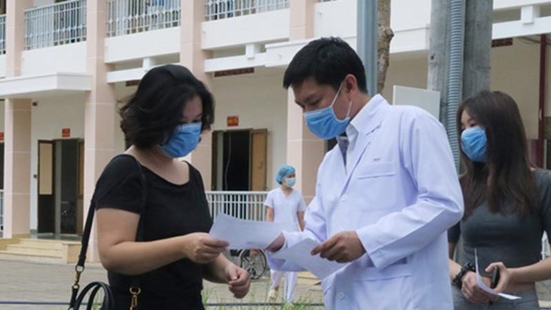 Đã có kết quả xét nghiệm của 82 y bác sĩ Hà Nội tiếp xúc gần với BN237 người Thụy Điển