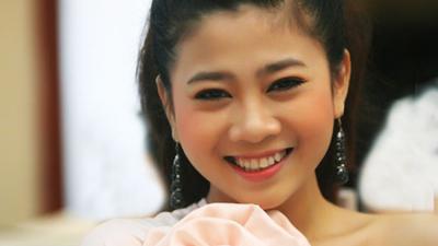 Cuộc đời sóng gió nhưng nụ cười chưa bao giờ tắt trên môi của Mai Phương