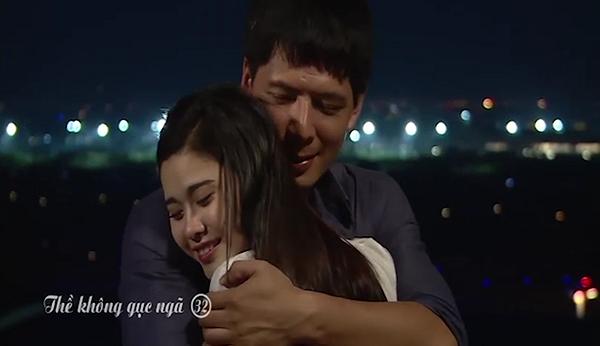 Clip: Cảnh ôm ấp của Trương Quỳnh Anh - Bình Minh trong phim 'Thề không gục ngã' 0