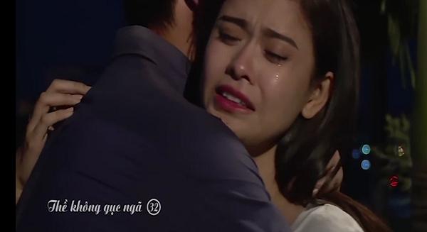Clip: Cảnh ôm ấp của Trương Quỳnh Anh - Bình Minh trong phim 'Thề không gục ngã' 1