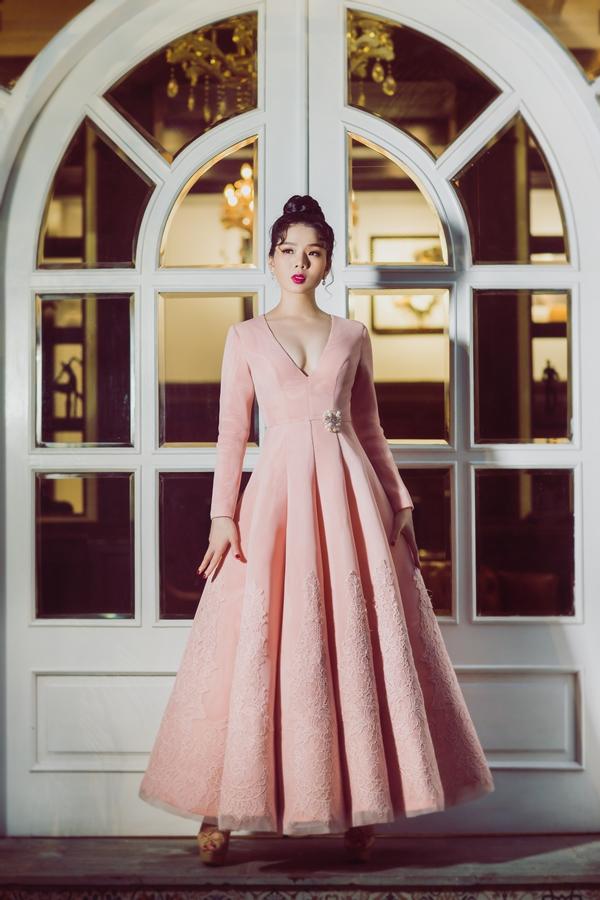Được biết vào tháng 1 tới, nữ ca sĩsẽ lần đầu cho ra mắt album nhạc Trịnh. Sau đó cô sẽ tổ chứcđêm nhạctại thủ đô để tri ân những khán thính giả yêu mến giọng hát của người con gốc Hà Thành.