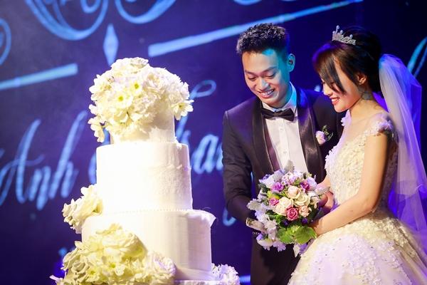 Nhật Anh Trắng hạnh phúc cùng cô dâu Trang Đinh trong ngày cưới 5
