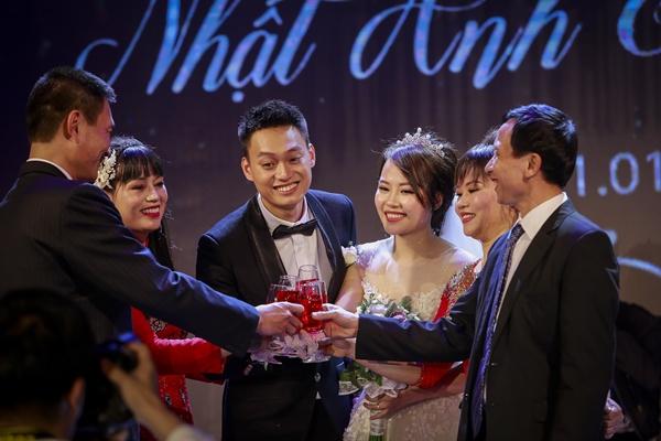 Nhật Anh Trắng hạnh phúc cùng cô dâu Trang Đinh trong ngày cưới 9