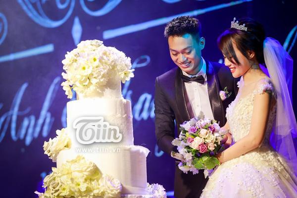 Lễ thành hôn của Nhật Anh Trắng và Trang Đinh đã diễn ra tối qua (11/1)