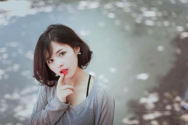 5 cô bạn gái xinh xắn, sành điệu như hot girl của 5 cầu thủ U23 Việt Nam 12