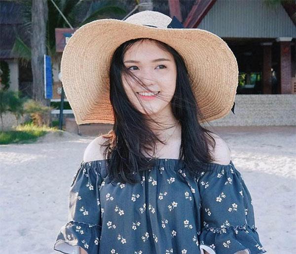 5 cô bạn gái xinh xắn, sành điệu như hot girl của 5 cầu thủ U23 Việt Nam 21