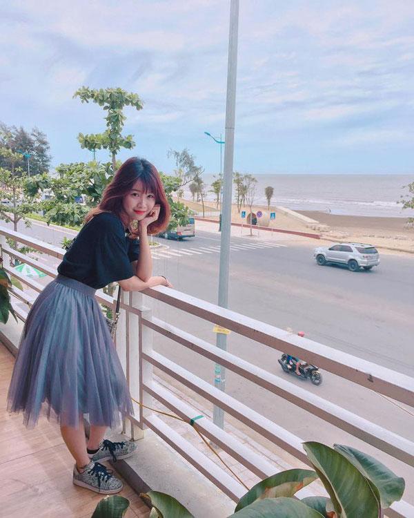 Trang Nhung không kết bạn trên Facebook với bạn trai Văn Toàn.