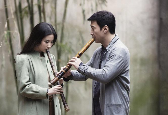 Lưu Diệc Phi và Lê Minh trong phim Dạ khổng tước.