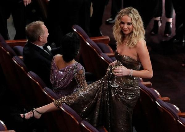 10 khoảnh khắc đáng nhớ tại lễ trao giải Oscar 2018 2
