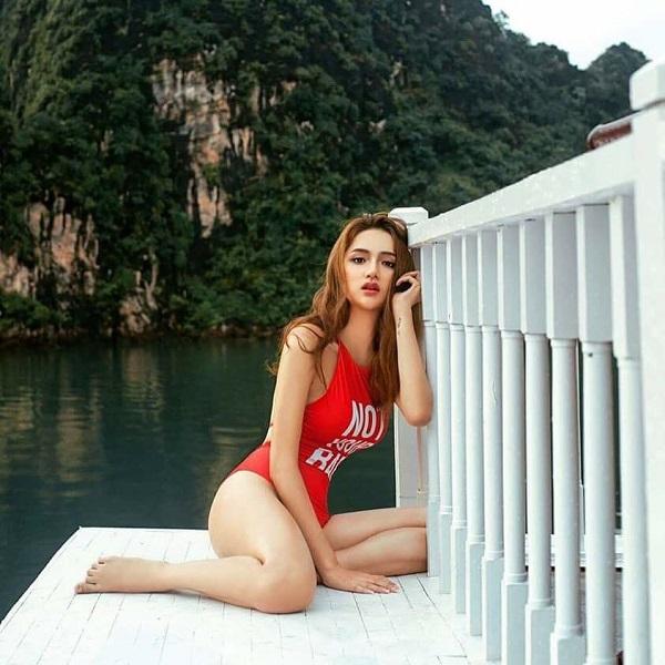 Liệu ai còn cưỡng lại được đôi mắt hút hồn và vẻ đẹp sexy'chết người' của Tân Hoa hậu Chuyển giới Quốc tế 2018 Nguyễn Hương Giang.