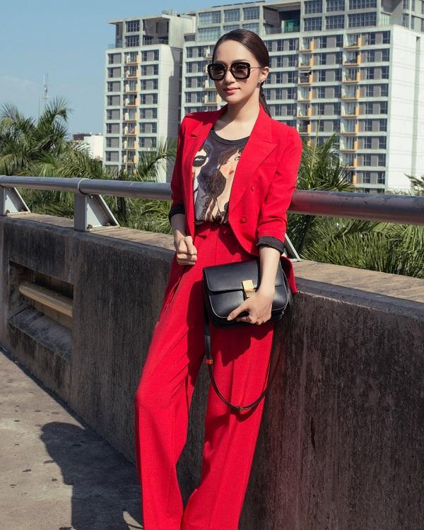 Hương Giang - cô nàng yêu màu đỏ 9