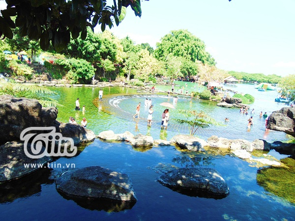 Những ngày thời tiết miền Nam nắng nóng, nơi đây càng trở thành địa điểm được nhiều người ghé thăm.