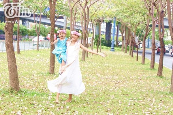 Sài Gòn tháng 4 rực rỡ với mùa hoa loa kèn 19