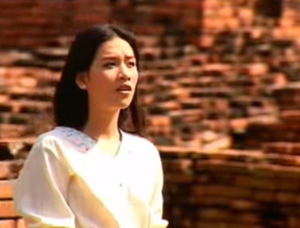 Ngoài vai Nguyệt đáo để, Hà Hương còn có vai diễn hiền lành, thường xuyên bị bắt nạt trong 'Tình xa' 12