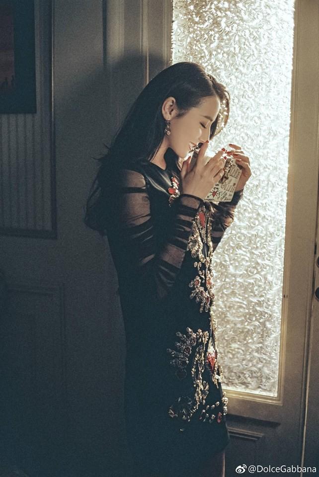 Địch Lệ Nhiệt Ba đẹp nín thở trong bộ ảnh mới giữa bão scandal 3