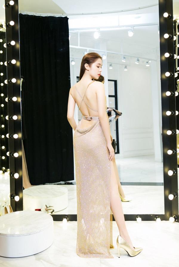 Quỳnh Hương tất bật chọn đồ để tỏa sáng tại thảm đỏ của Cannes 5