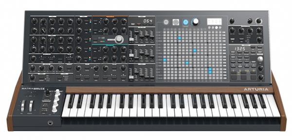 ... và Synthesizer là 2 nhạc cụ chính tạo ra trap.