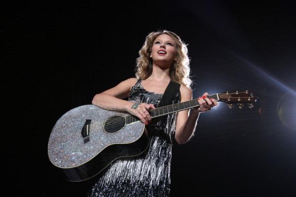 Trước khi Reputation tour khởi động, Taylor Swift đã có những tour diễn ấn tượng thế này 0