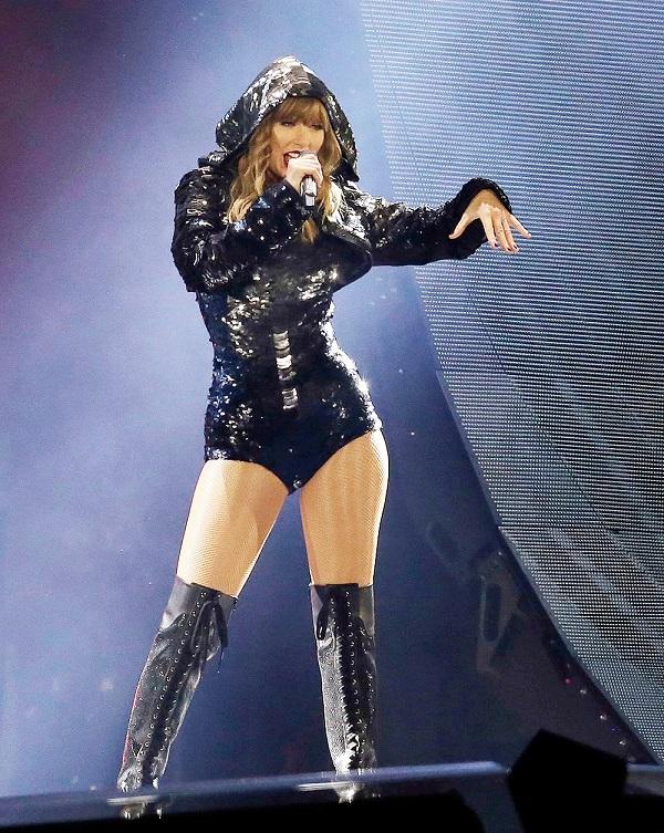 Trước khi Reputation tour khởi động, Taylor Swift đã có những tour diễn ấn tượng thế này 13