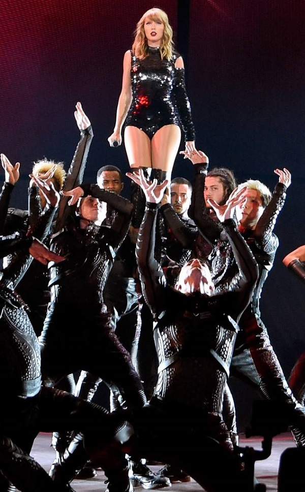 Với Reputation tour, Taylor Swift đã thực sự trưởng thành. Cùng chờ xem doanh số 'khủng' của tour diễn lần này nhé.