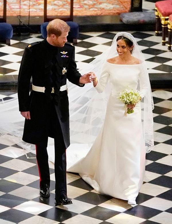 Cận cảnh chiếc váy cưới của Công nương Meghan Markle