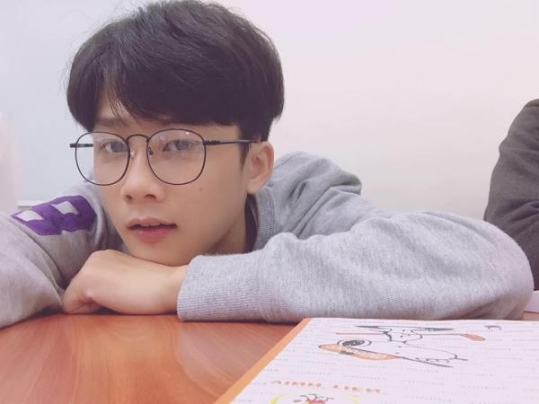 Gặp gỡ chàng 'nam thần học đường' đốn tim phái nữ trong MV của Thuỳ Chi 7