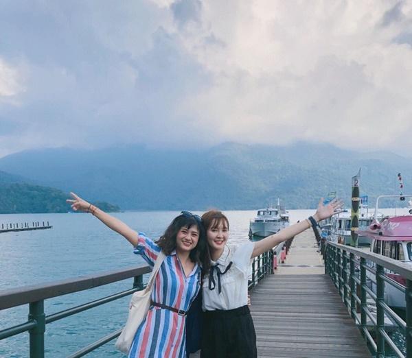 Ngân và Lili trong chuyến du lịch Đài Loan vừa rồi