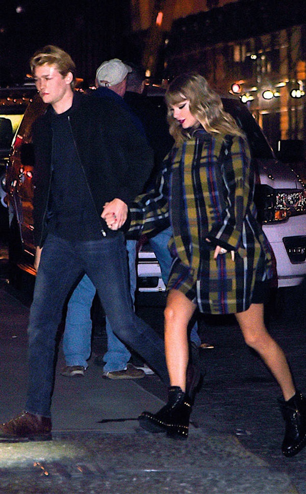Những lần hiếm hoi Taylor và Joe hẹn hò chốn đông người.