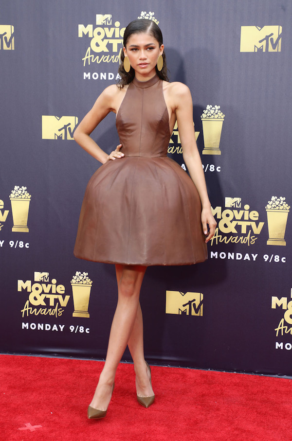 Zendaya giữ vững phong độ 'xinh như công chúa' trên thảm đỏ MTV Movie Awards 2018.