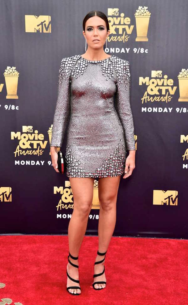 Nữ diễn viên kiêm ca sĩ Mandy Moore.