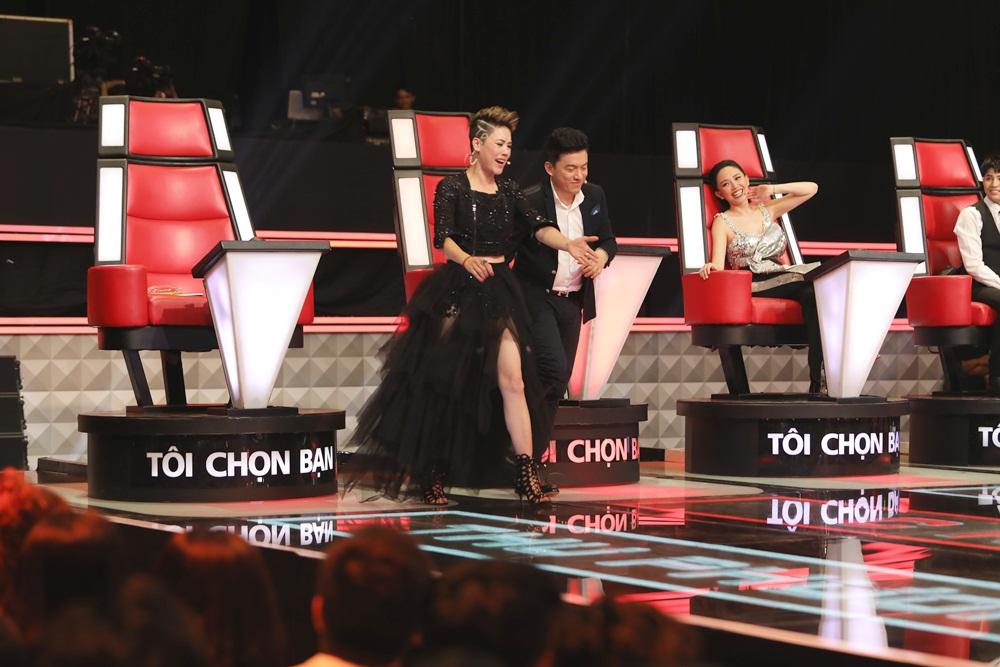 Giọng hát Việt (Tập 5): Giọng cakhiến Thu Phương chặn Lam Trường, câu chuyện tình bạn 20 năm lại 'dậy sóng' 3