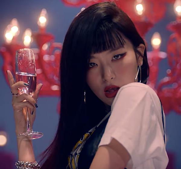 6 kiểu make-up 'xịn sò' nhất trong các MV hàng đầu xứ Hàn năm 2018 0