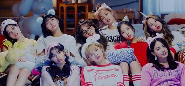 Các cô nàng kẹo ngọt Twice trong 'What Is Love'